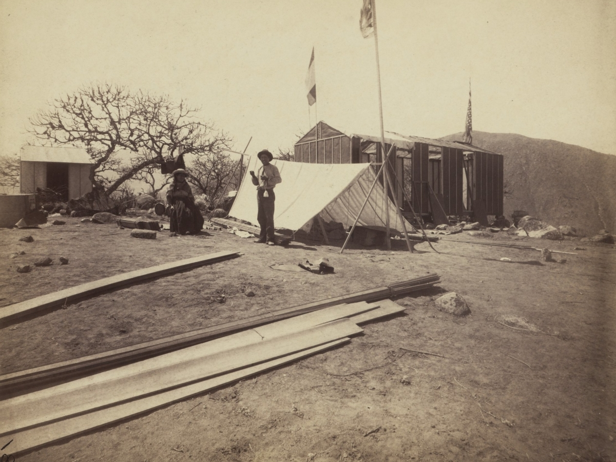 Francisco and Vincenta work at building the observatory