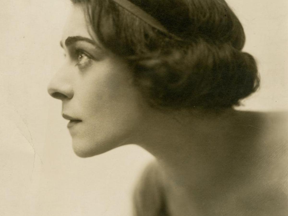Russian-American actress Alla Nazimova, circa 1905.