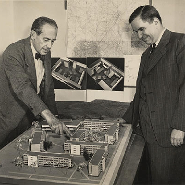 Walter Gropius and Dean Griswold with a model of Harvard Law School, 1948